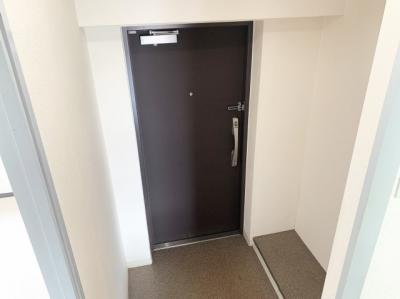 シンプルで明るい玄関です。