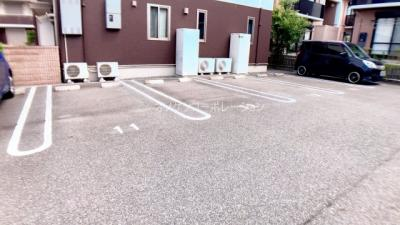 【駐車場】アトリエール上中B棟