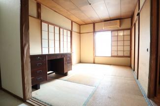 広々6帖の和室は客間としてもご利用できる広さです