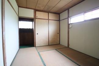2階寝室の和室は押入れがあり収納が充実