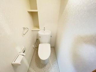 メイゾン千葉 3面鏡タイプの独立洗面台です♪ 引き出しタイプの使い勝手の良い収納付きです♪