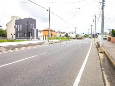 【前面道路含む現地写真】土浦市乙戸南3丁目 新築戸建 2号棟