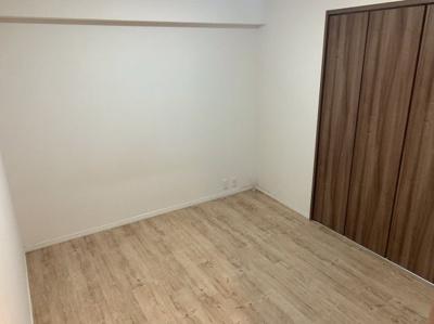 使い勝手のいい洋室です。5帖ですl。