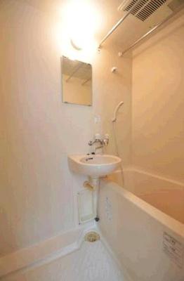【浴室】ホワイト・ストーン
