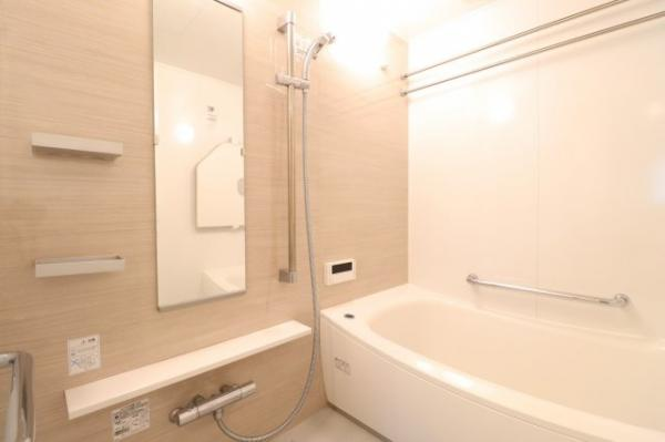 【浴室】清潔感ある浴室スペースです!ミストサウナや浴室暖房乾燥機付きで機能性も!