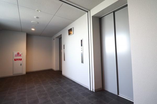 【エレベーターホール】EVは4基ございます!
