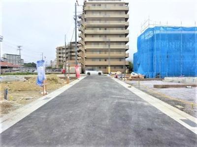 【前面道路含む現地写真】神戸市垂水区青山台5丁目 6号棟 新築戸建