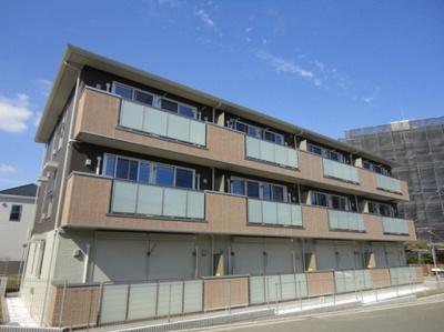 東急東横線「綱島」駅・「大倉山」駅より徒歩圏内!2駅利用可能で便利な立地の3階建てマンションです♪