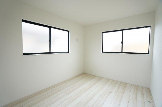 【同仕様施工例】7帖の洋室です。