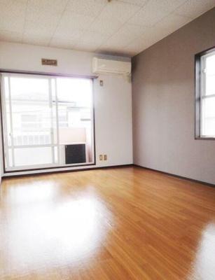 【居間・リビング】ダリアMアパートメント