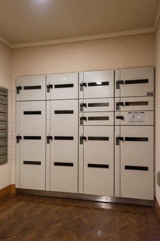 レジオン白金クロスアクシスコート:便利な宅配ボックス付きマンションです!
