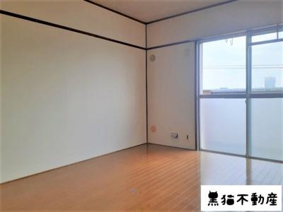 【洋室】ローヤル山峰