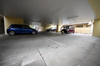 【駐車場】カーザミア