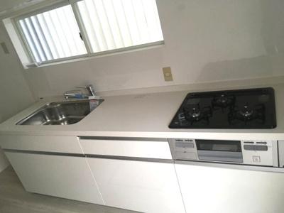 【キッチン】神戸市垂水区歌敷山2丁目 中古戸建