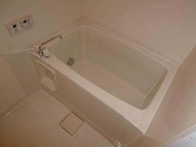 【浴室】ベルホワイト