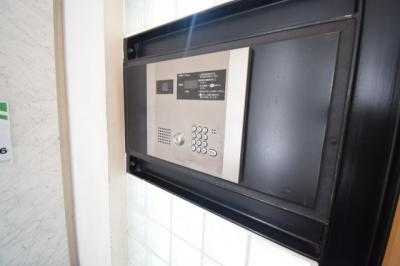 TVモニター付きインターホンで安心です。