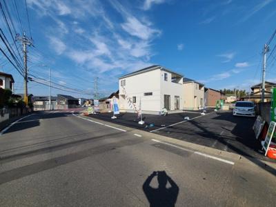 【前面道路含む現地写真】つくば市高見原第14 新築戸建 3号棟