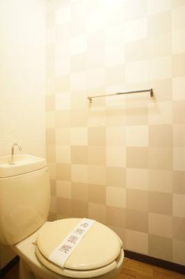 トイレのアクセントクロス♪