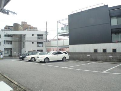 前面駐車場