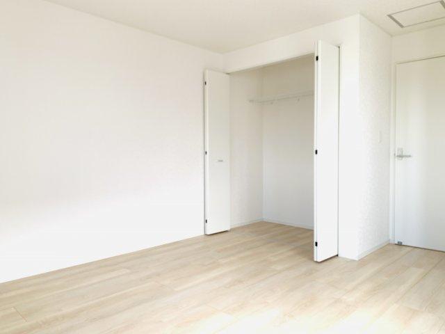 【同仕様施工例】6帖尾の洋室です。