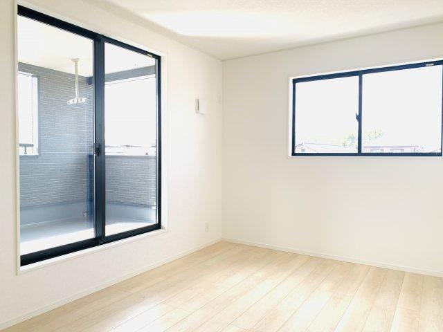 【同仕様施工例】5.2帖の洋室です。