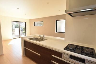 【キッチン】鴻巣市天神2丁目 新築分譲住宅全2棟