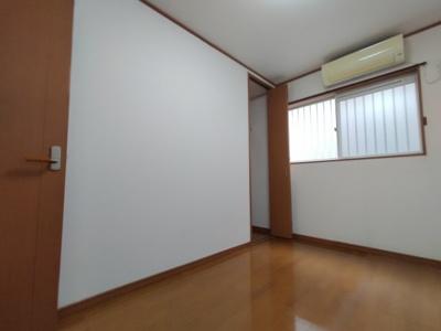 1階洋室(5.0帖):北向きの採光と通風が入るお部屋です。