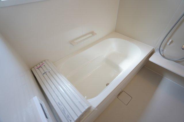 【同仕様施工例】浴室内を暖めたり、涼しくすることができるため、入浴時に快適に過ごすことが可能です。