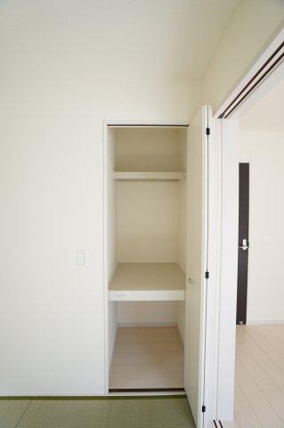 【同仕様施工例】押入 開口部が広いのでムダなく利用できます。