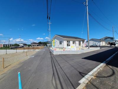 【前面道路含む現地写真】下妻市高道祖第1 新築戸建 1号棟