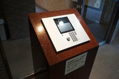 【エントランス】朝日クレスパリオ北新宿