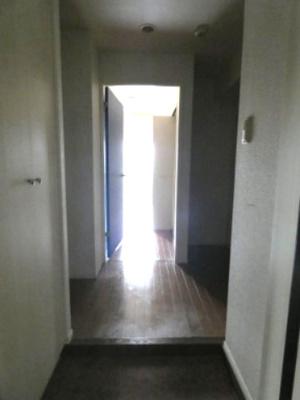 「玄関から」