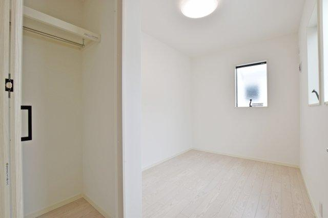 -同社施工例- 各居室収納など豊富な収納量でスッキリとした生活を送れそうです。