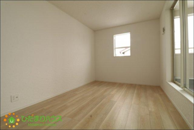 7.2帖の洋室は主寝室として♪大きなベッドを置いて家族みんなで寝れちゃいます。