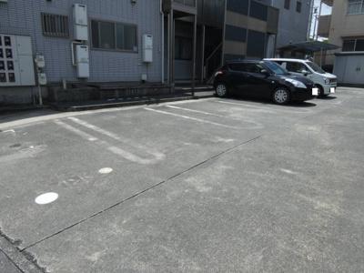 【駐車場】TIARA