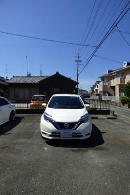 【駐車場】モンテローザ