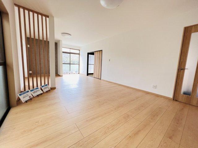 【居間・リビング】富岡市下高瀬 中古住宅