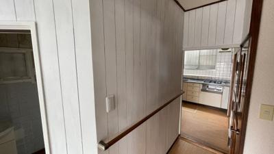 廊下から見たキッチンです♪