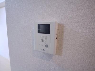 モニター付きインターフォンでセキュリティ対策もバッチリ。