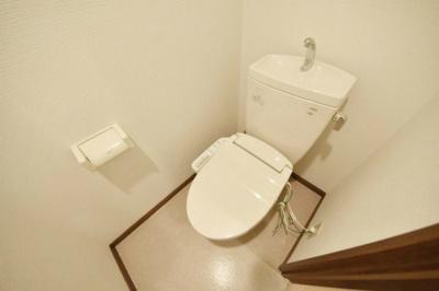 WC、洗浄暖房便座搭載。