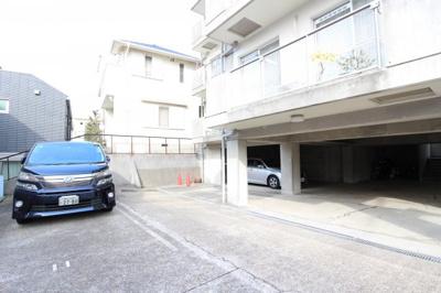 【駐車場】ヴィユー歌敷山
