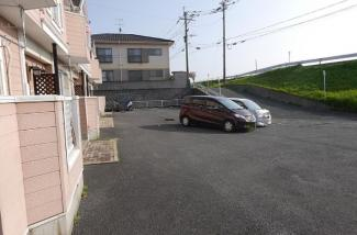 【駐車場】《2002年築木造》福岡県中間市土手ノ内1丁目一棟アパート