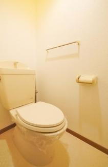 【トイレ】《2002年築木造》福岡県中間市土手ノ内1丁目一棟アパート