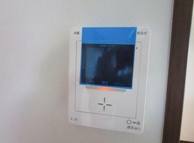 モニター付きインターホンで防犯面も安心です!