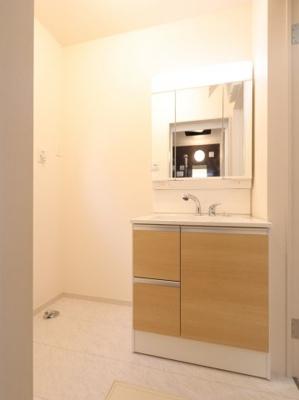 使いやすい独立洗面台です:建物完成しました♪♪毎週末オープンハウス開催♪吉川新築ナビで検索♪