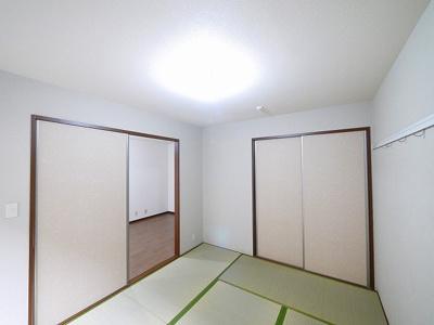ゴロンと横になれる和室です