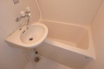 【浴室】サリエンテSIビル