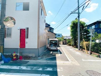 閑静な住宅街です。車通りも少なく安全に暮らせます♪