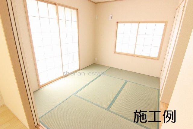 リビングの隣は寛げる和室♪  ※建築中につき施工例です。