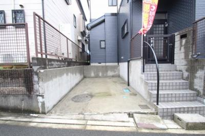 【駐車場】海老名市国分寺台1丁目 中古戸建て 【仲介手数料無料】